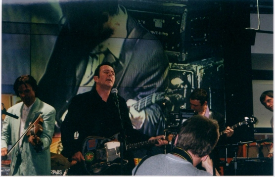 Joe Strummer and the Mescaleros HMV Oxford Street 16th July 2001 (6)