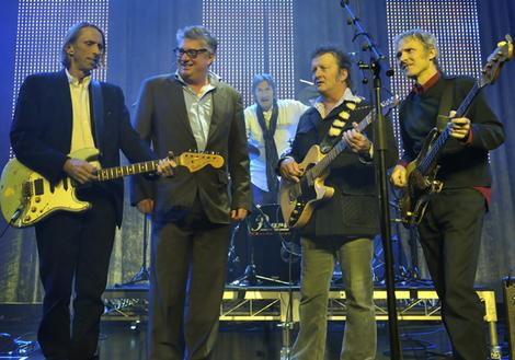 Mental as Anything rehearse at the Forum.